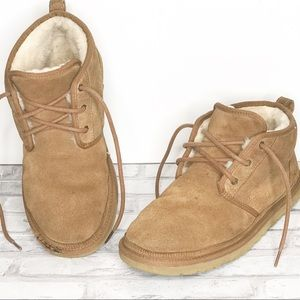 Mens size 11 Lace up UGG Nutmeg